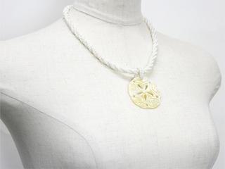 ピュアビーズネックレス ハワイアンスカルプ ホワイト
