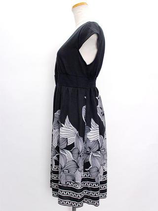PUKANA ショート スタイリッシュVネックドレス フラワーブラック