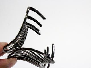 シェルデザイン メタルヘアクリップ ブラックシルバー
