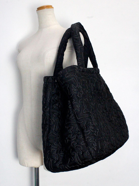 フララニ(Hula Lani)Lサイズトートバッグ 中綿キルトステッチ ホヌブラック