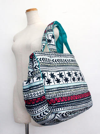 フララニ(Hula Lani)Lサイズトートバッグ ハワイアントライバルホワイト