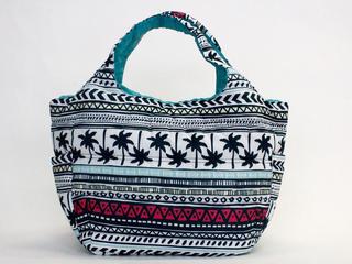 フララニ(Hula Lani)Mサイズトートバッグ ハワイアントライバルホワイト