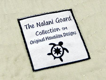 ハワイアンキルトポーチの裏面のナラニゴードのロゴ