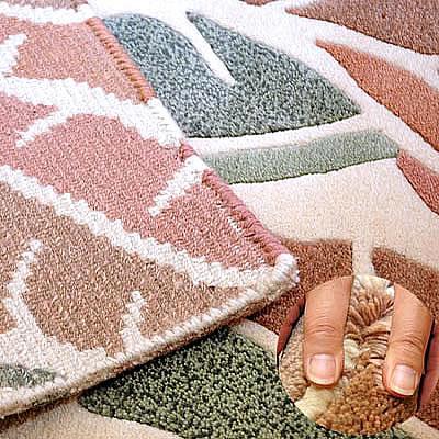 ハワイアン ラグ(段通織り) バナナリーフ(ピーチ)の毛並み